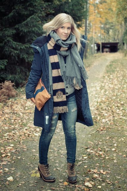 Fall outfit with Clare Vivier clutch   http://skiglari-norppa.blogspot.com