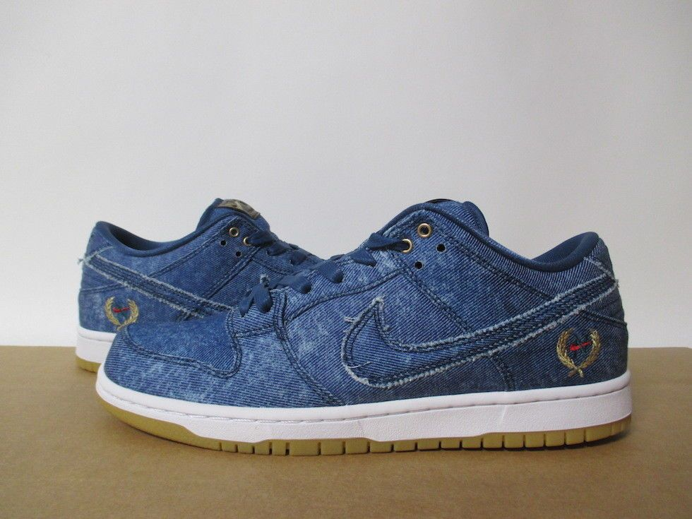 f0c8d95165a 883232 441 NIKE SB DUNK LOW QS UTILITY BLUE DENIM WHITE EAST WEST BIGGIE  TUPAC