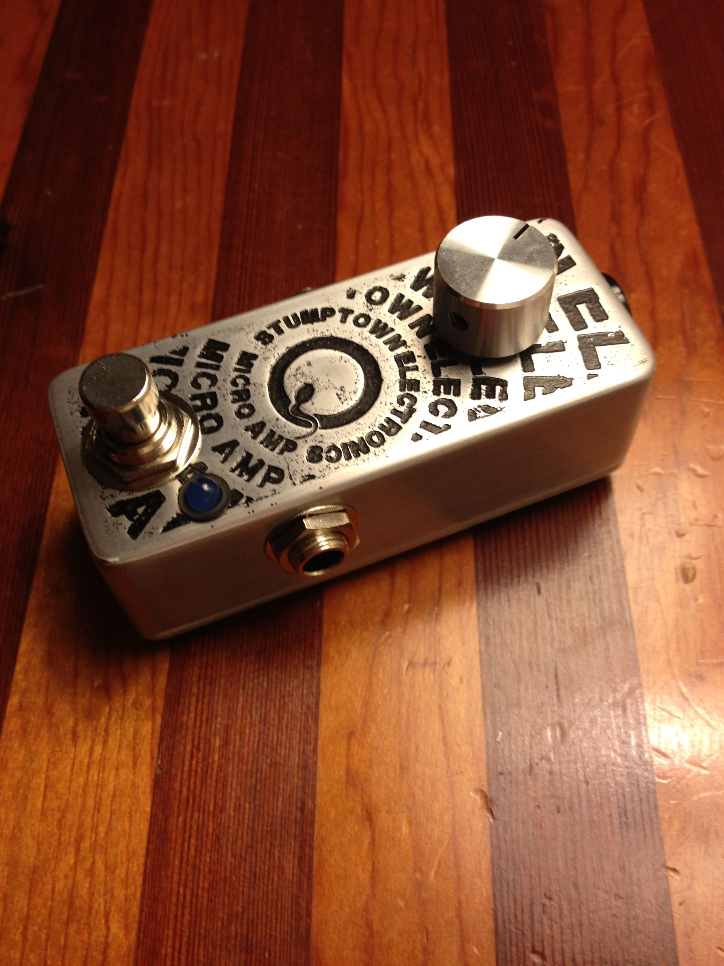 diy guitar pedal with acid etched graphics diy guitar pedals diy guitar pedal guitar. Black Bedroom Furniture Sets. Home Design Ideas