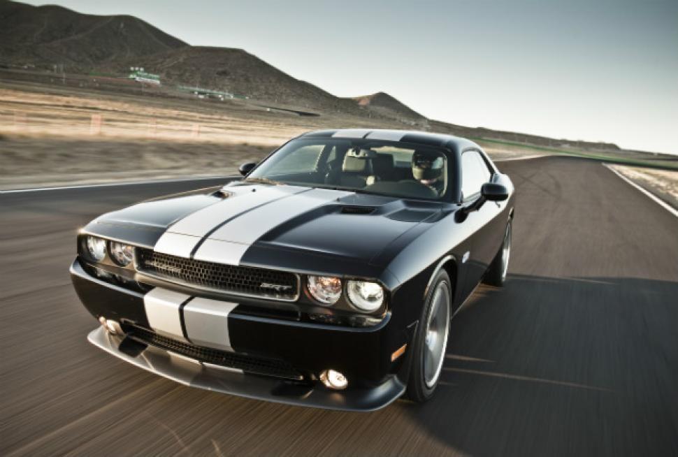 Chrysler Plans 640 Horsepower Supercharged Hellcat Hemi V 8 Muscle Cars Pony Car Hellcat Challenger