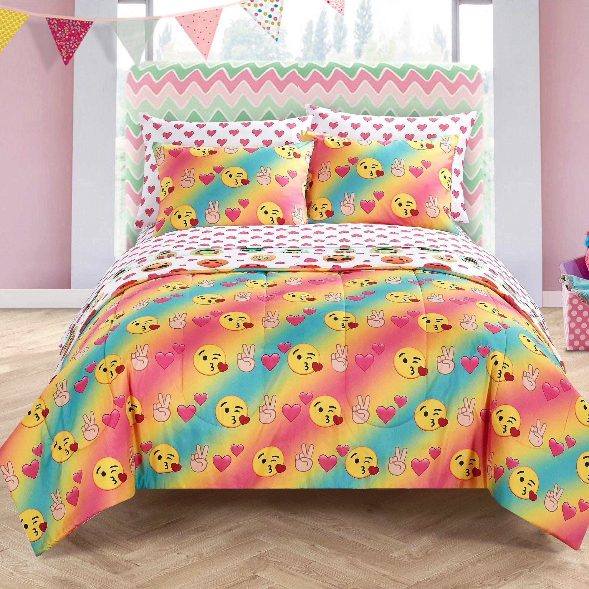 Emoji Pals Reversible Comforter Set