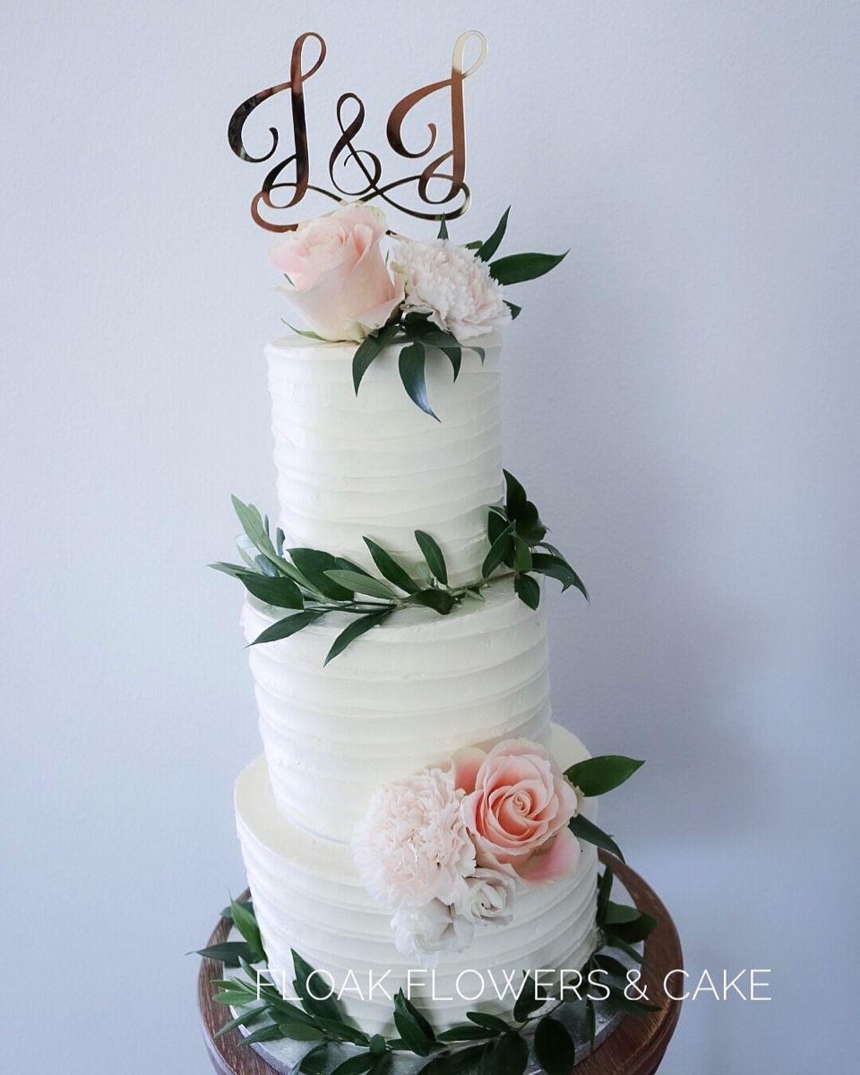 #bruidstaart #weddingcake #weddingcakedesigns #flowers #flowercake