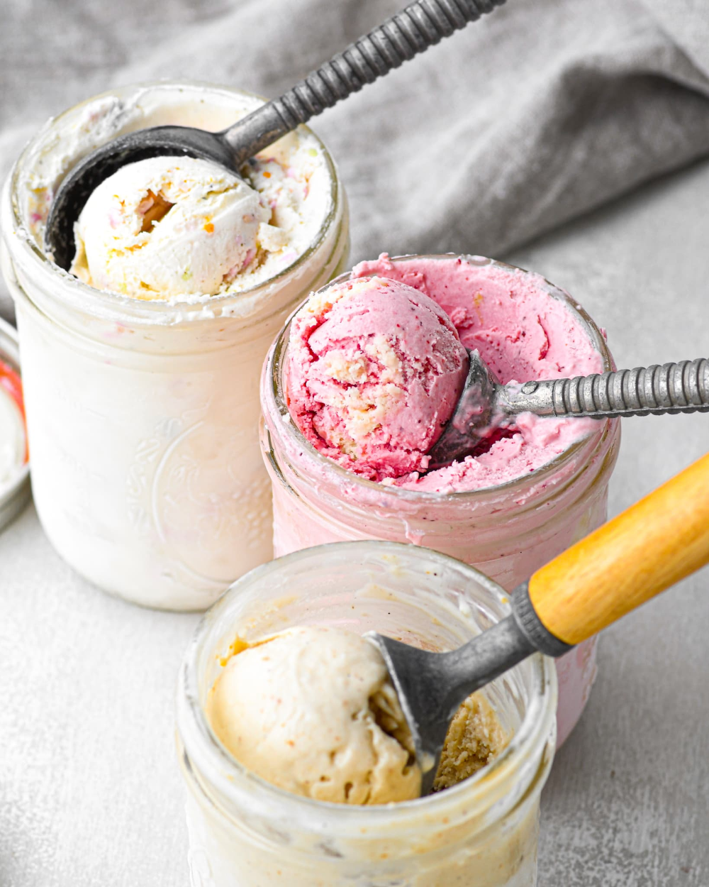 Small Batch Ice Cream In A Jar Buttermilk By Sam Recipe In 2020 Frozen Dessert Recipe Sweet Recipes Desserts Ice Cream