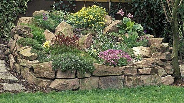 pflanzen und dekoration f r einen tollen steingarten garten pinterest steingarten garten. Black Bedroom Furniture Sets. Home Design Ideas