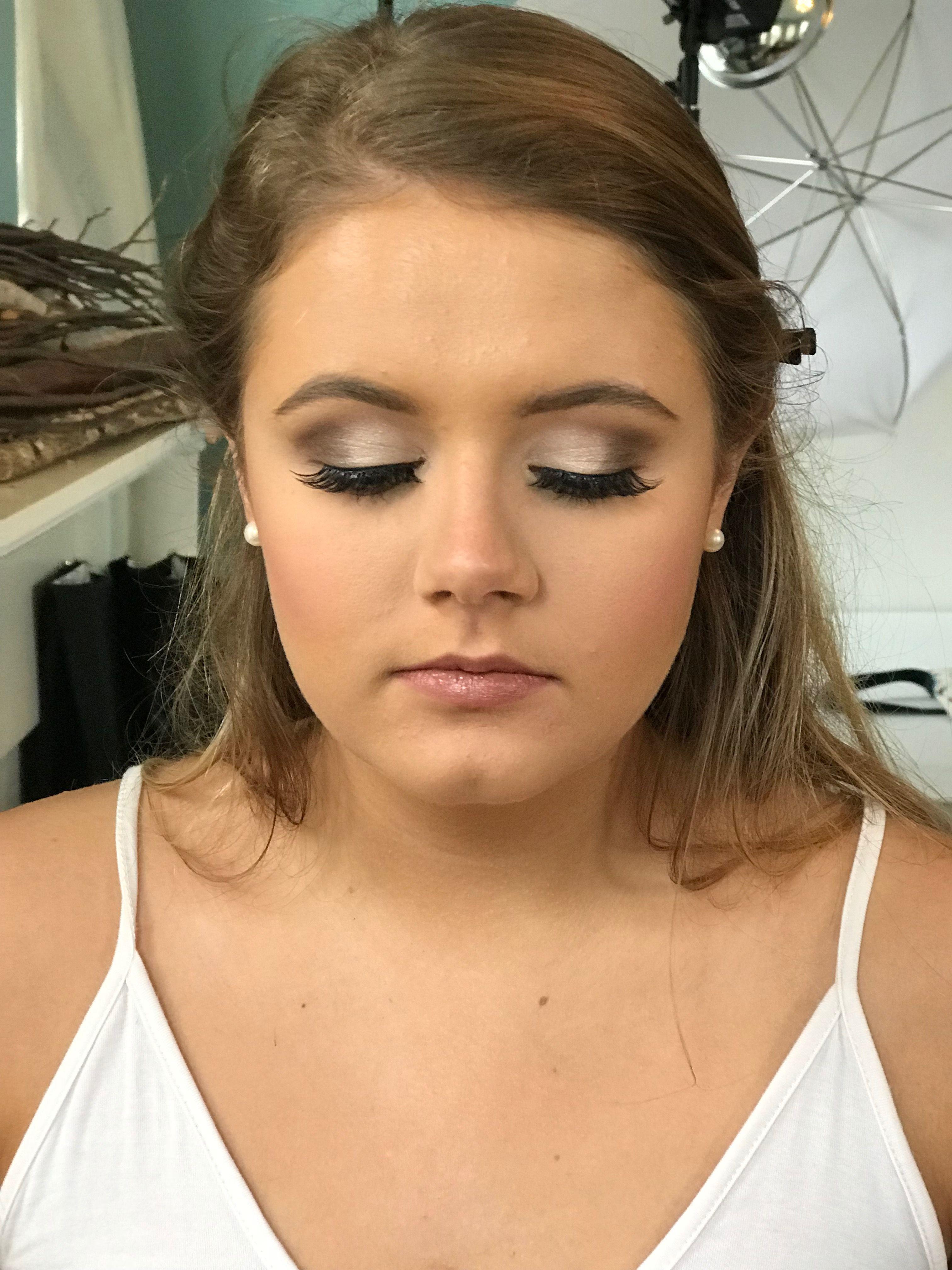 Soft Glam Senior Photoshoot Makeup www.tanishacolbert