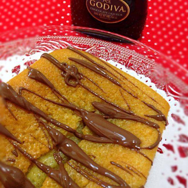 甘い物が食べたくて… - 49件のもぐもぐ - ★パウンドケーキ★       大人バージョンGODIVAのチョコレートリキュール入り!生地にたっぷり入れちゃいました by 深谷 恵