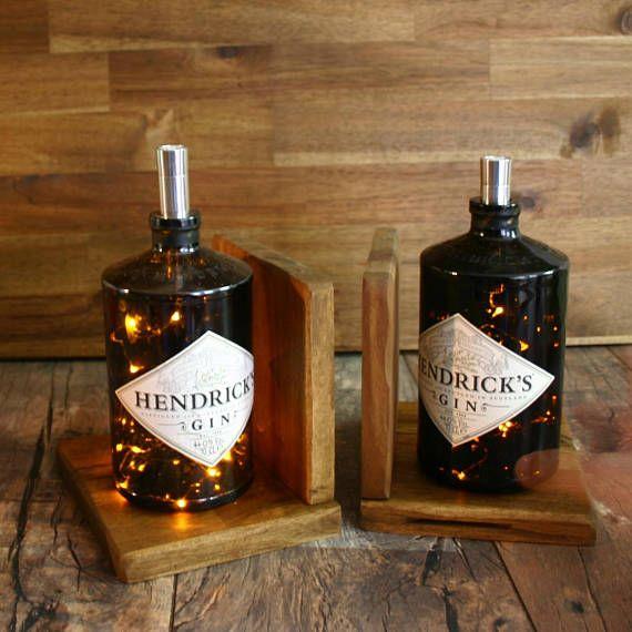Buchstutze Mit Beleuchteter Hendricks Gin Blasche Bottle Lamp