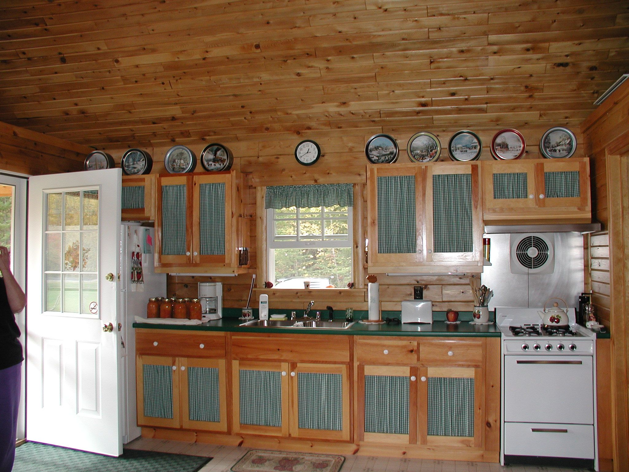 Kitchen Of A Baskahegan Camp Ward Cedar Log Homes Small Cabin Log Homes Cedar Log