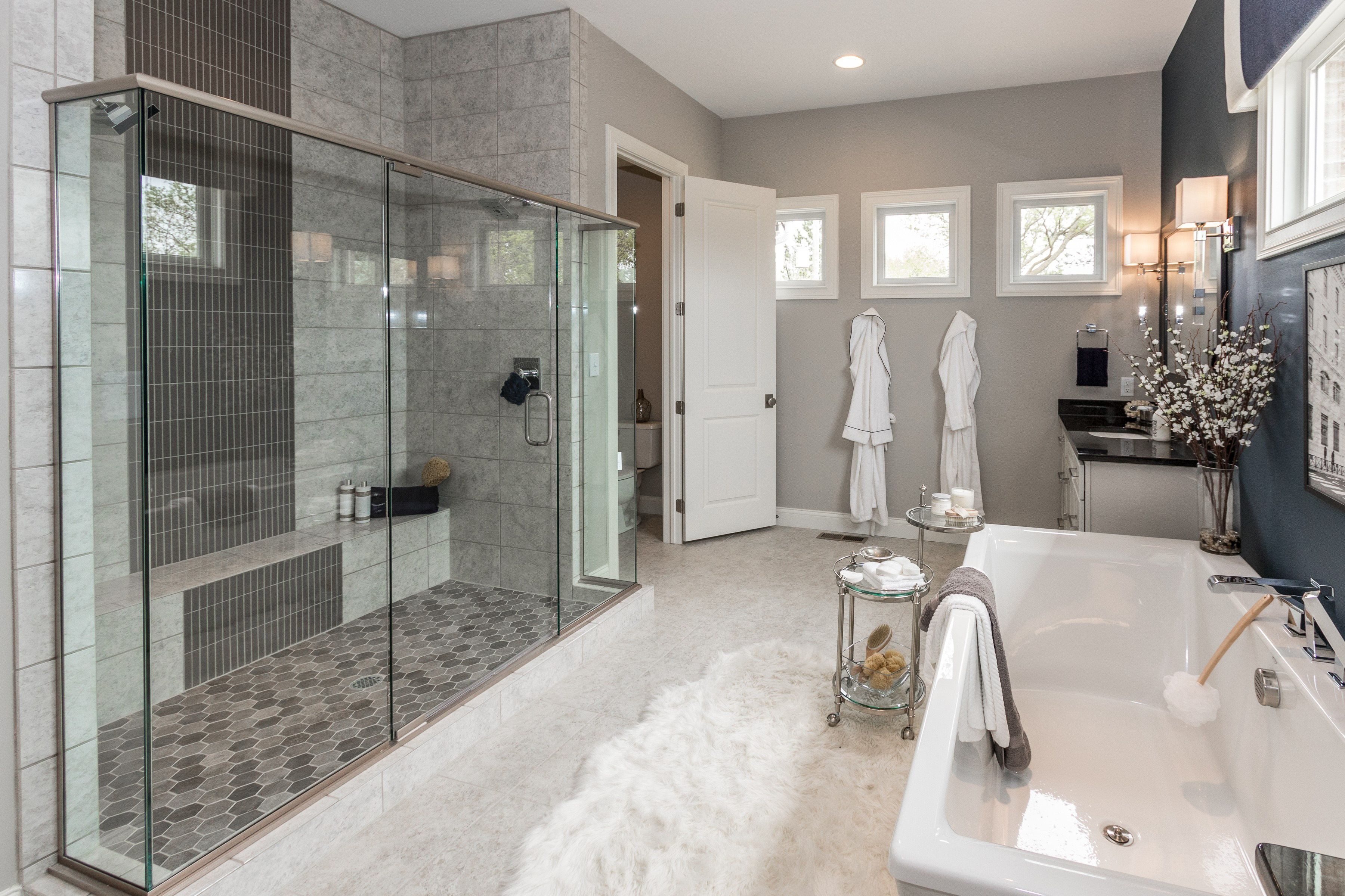 Make Yourself At Home In This Large And Luxurious Bathroom With A