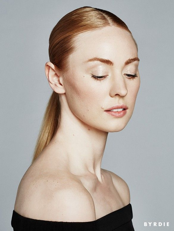 4 Subtly Daring Spring Beauty Looks, With Deborah Ann Woll via @byrdiebeauty