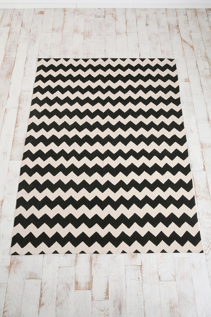 The Zigzag Printed Rug From Urban Outers Would Be Great In My Living Room 74 99 For 5x7