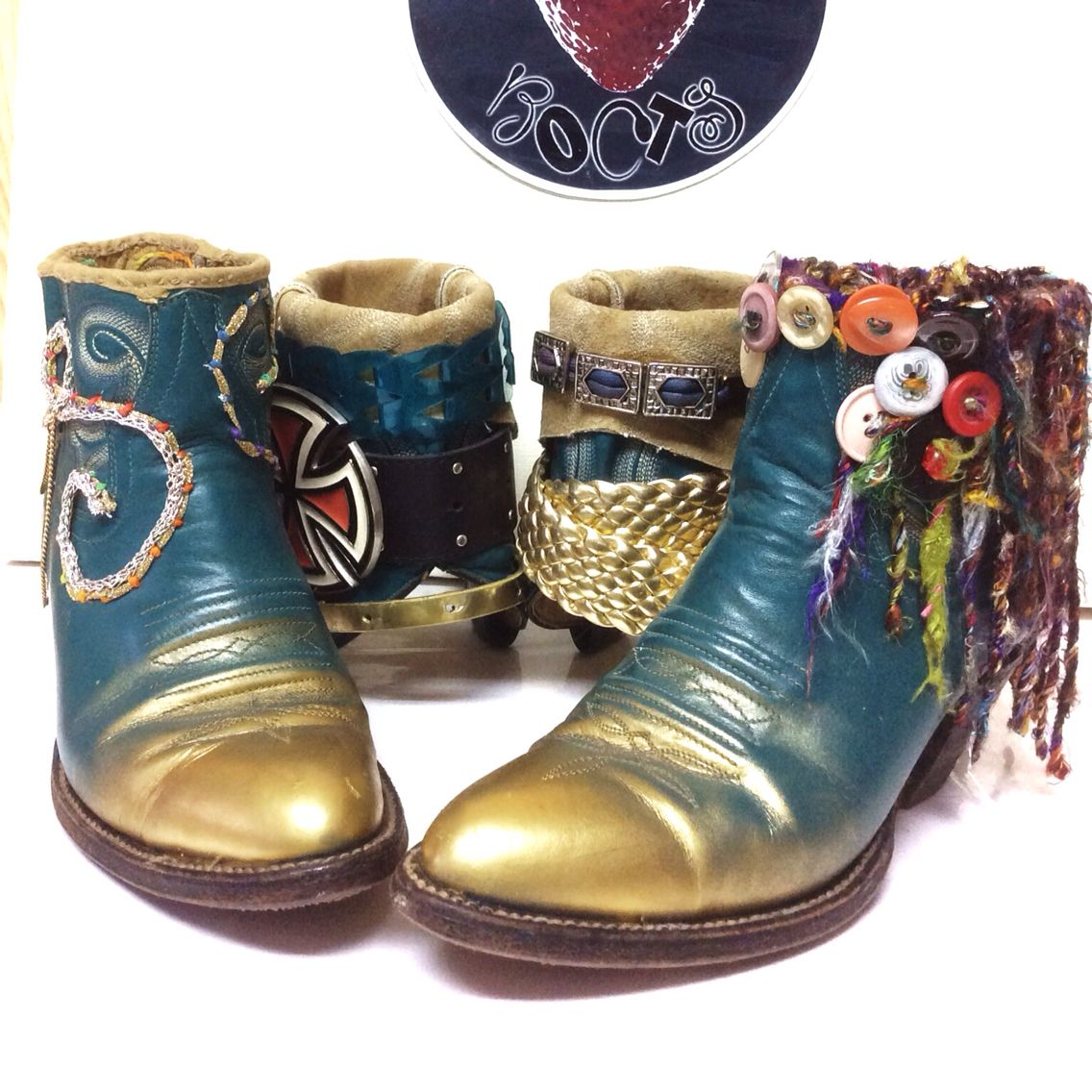 Fnur way boots. have a new pair for both Saturday and Sunday two weeks out of the month. 色んな顔で持つこちらのブーツで楽しめる♪♪世界中であなただけの特別な1足が待ってます。http://facebook.com/loveberrybrand