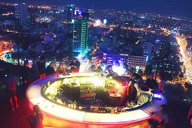 Happy Hour Sky bar + 24 other things to do in Saigon | Past & Future