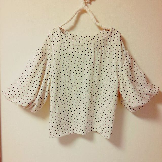 またもや ふんわり袖のブラウス♪ 作りました^^;^^; テロンとした生地 ...