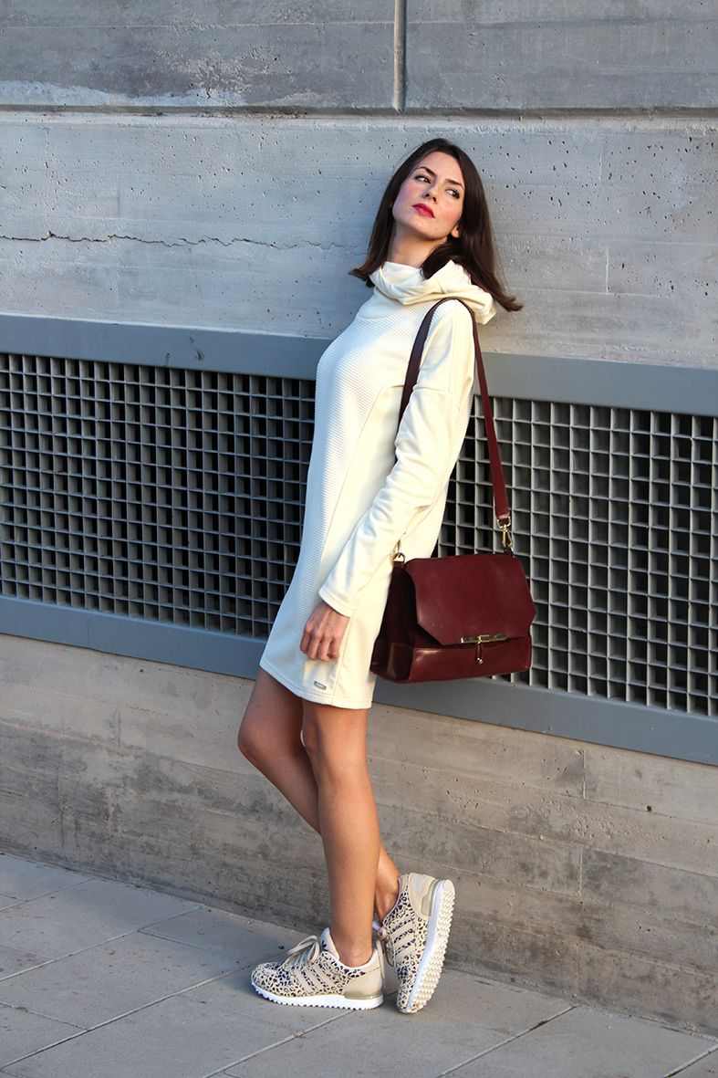 @ÁngelesMadridBerlanga knows how to style our Indispensable dress. #AW15