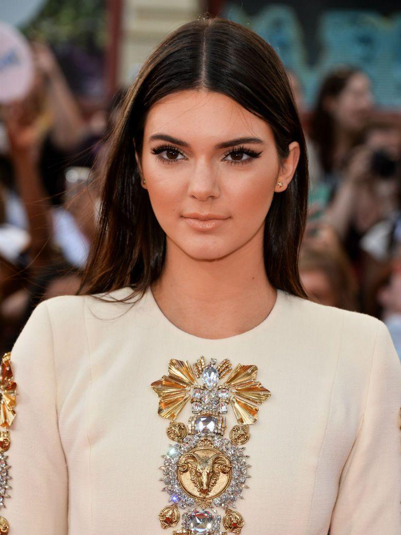 Kendall Jenner veut se débarrasser de son nom de famille   People ... 0dd877262569