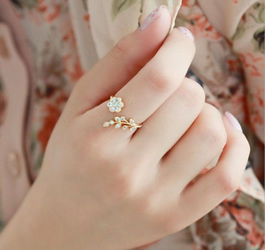 615223d4ab43ce Fashion Temperament Diamond Twisted Leaf Wishful Flowers Open Ring Index  Finger