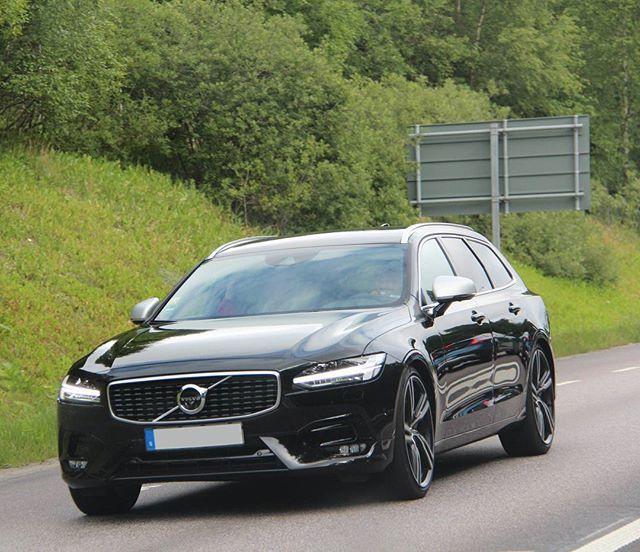 Sunday Drive Volvo V90 D5 Powerpulse Awd: Nordic Transportation Design