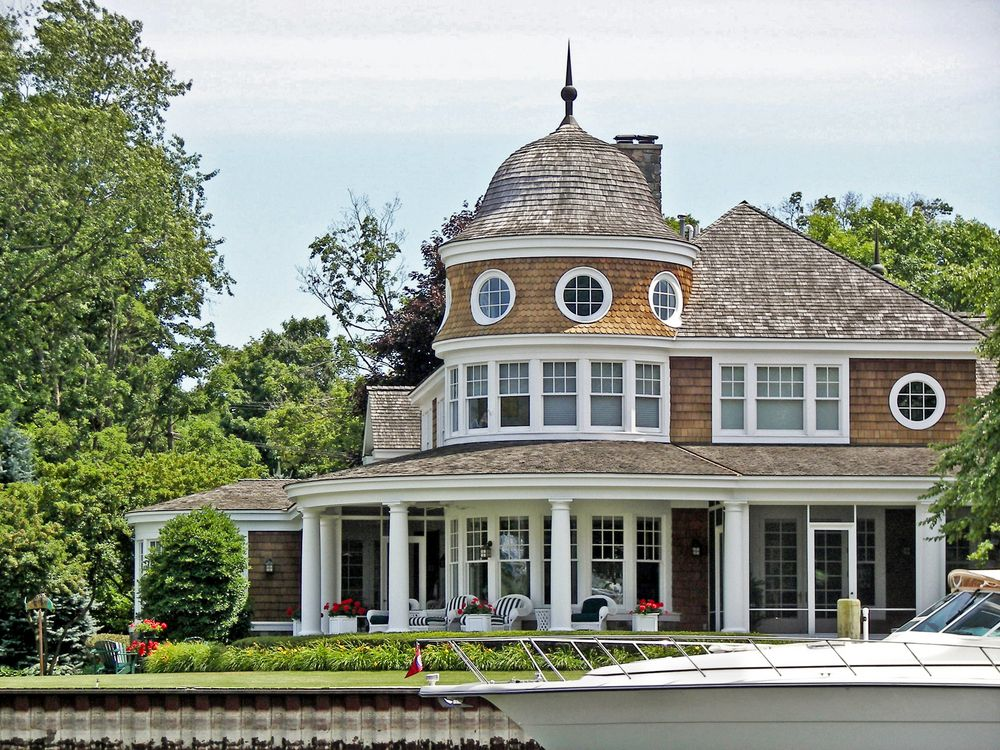 55 Stunning Lake Houses Famous New Old Big And Cozy Lake House Victorian Homes House