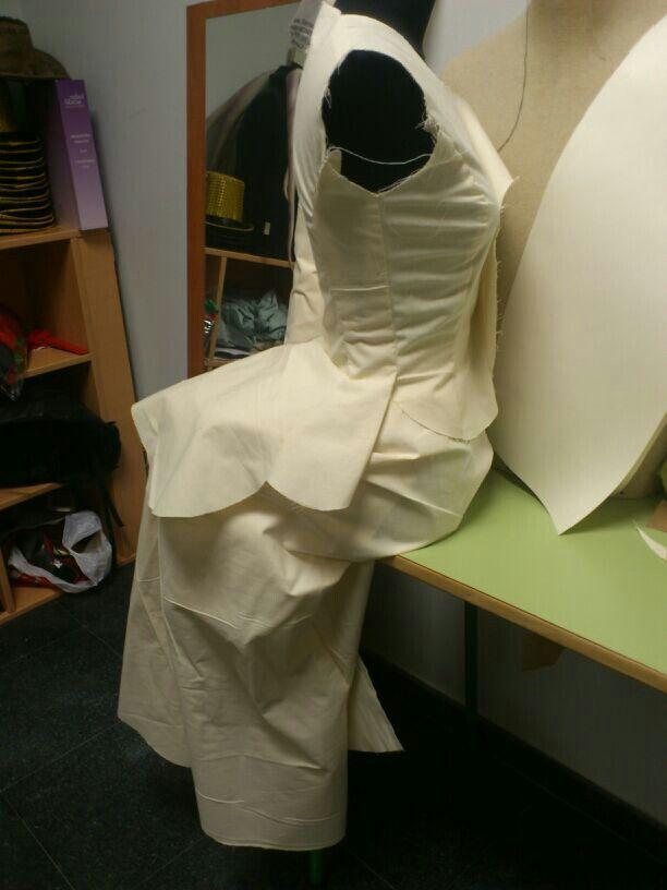 Estudo de patrón. Para vestiario S.XIX
