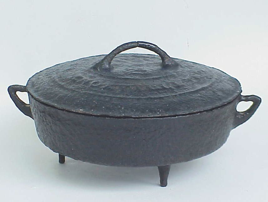 Early 19th Century iron pot with lid