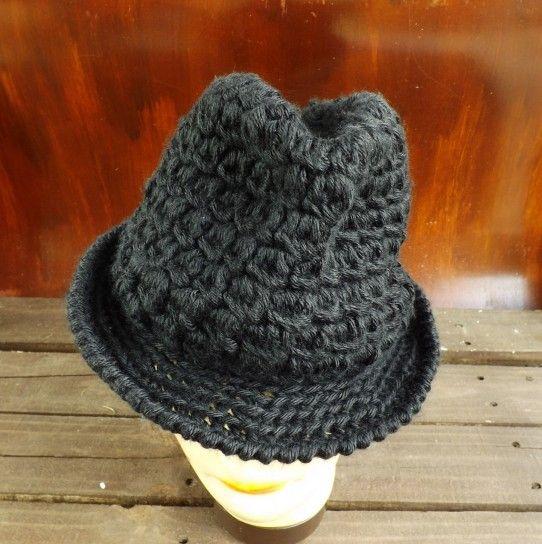 Cappello a uncinetto  schemi e modelli - Borsalino in lana  6b857fb48da1