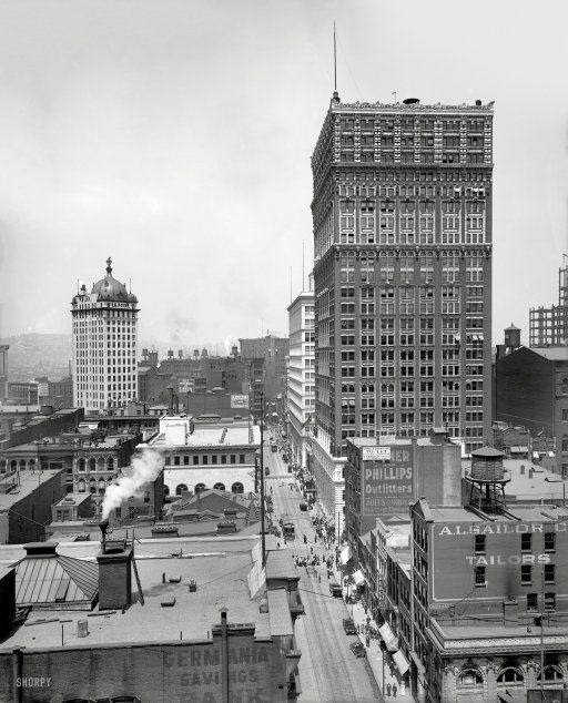 Pittsburgh Circa 1910 Wood Street And The Farmers Bank At Left