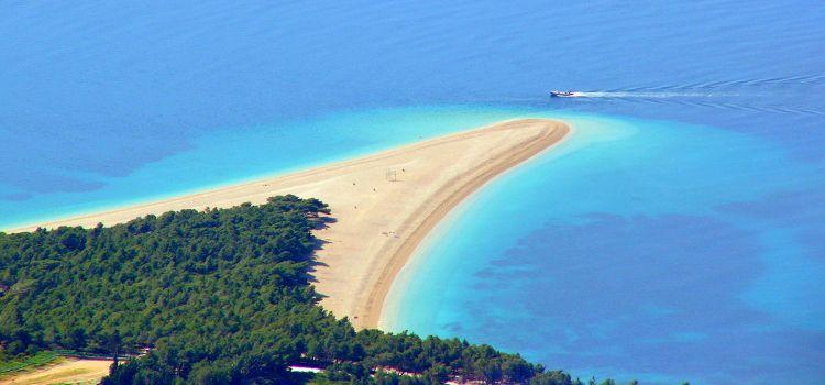 playa de zlanti ray en isla de brac