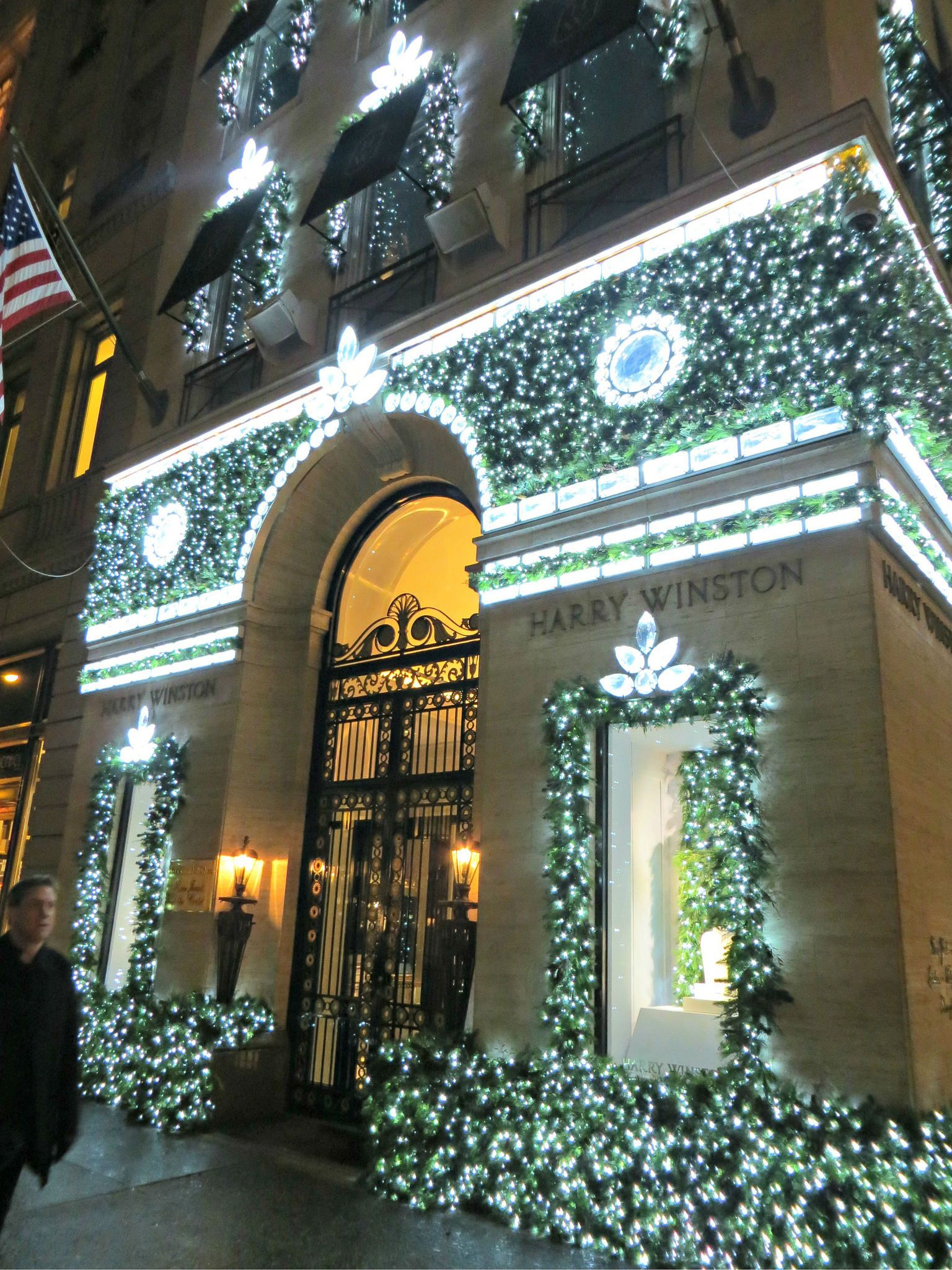 Harry Winston (jeweler, decorated for Christmas), 718 Fifth Avenue, New York City. November 23, 2012.