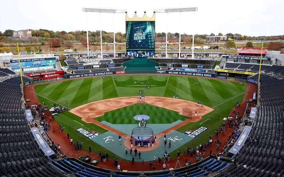 Kauffman Stadium Kansas City Royals Best Baseball Stadiums Baseball Stadium Kansas City Royals