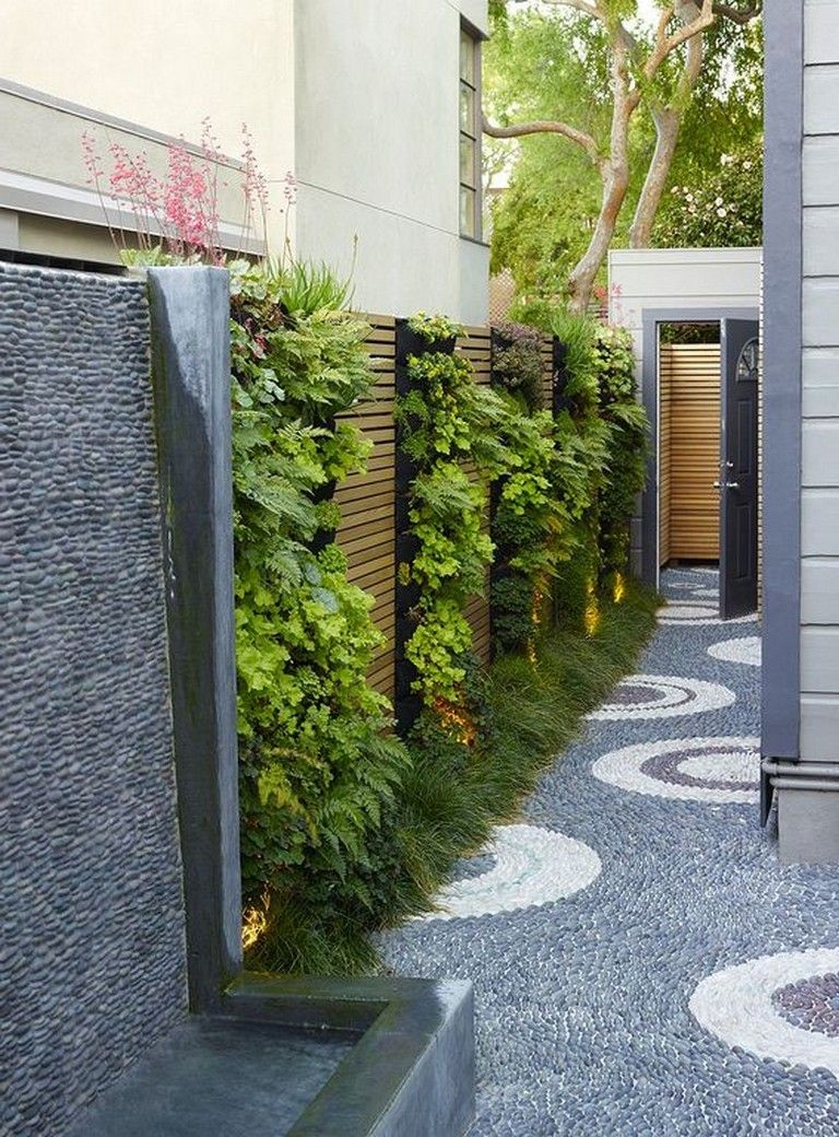 26 Awesome Ideas To Create Pallet Wall Garden Gardendesign Gardeningtips Backyardlandscaping Vertical Garden Design Vertical Garden Vertical Garden Diy