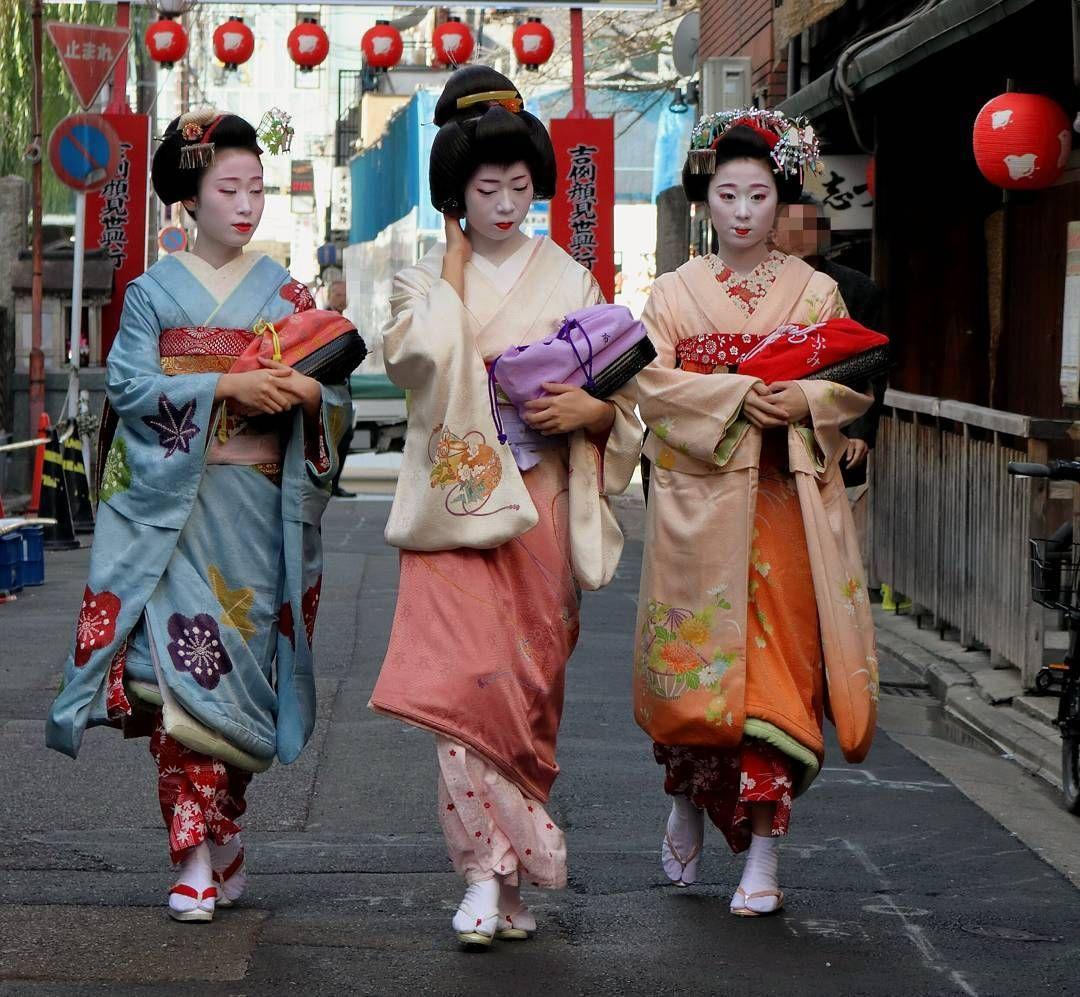 中支志の方々。  #舞妓 #maiko #芸妓 #geiko #京都 #Kyoto #顔見世 #歌舞伎 #祇園甲部