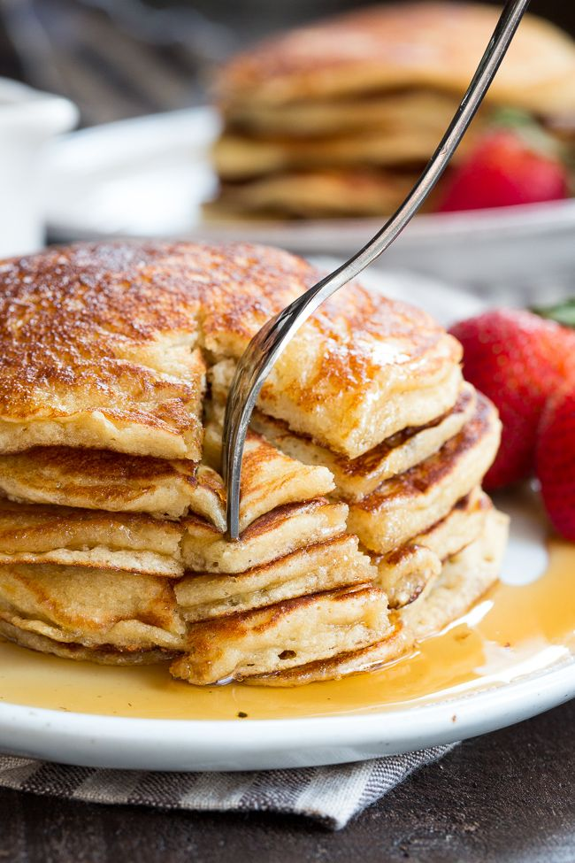 These Fluffy Paleo Buttermilk Pancakes Are The Perfect Healthy Answer To Your Pancake Cravings Buttermilk Pancakes Pancake Recipe Buttermilk Low Carb Pancakes