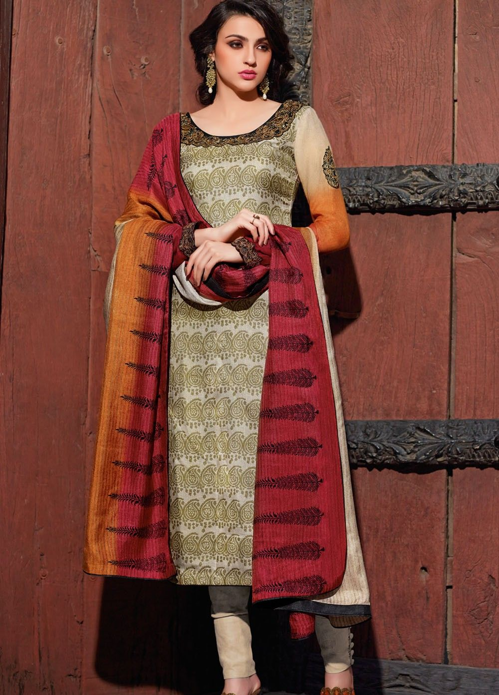Complete your traditional look for the day by wearing this ...