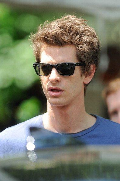 12d87c2017e Andrew Garfield wearing Ray-Ban 2132 wayfarer sunglasses