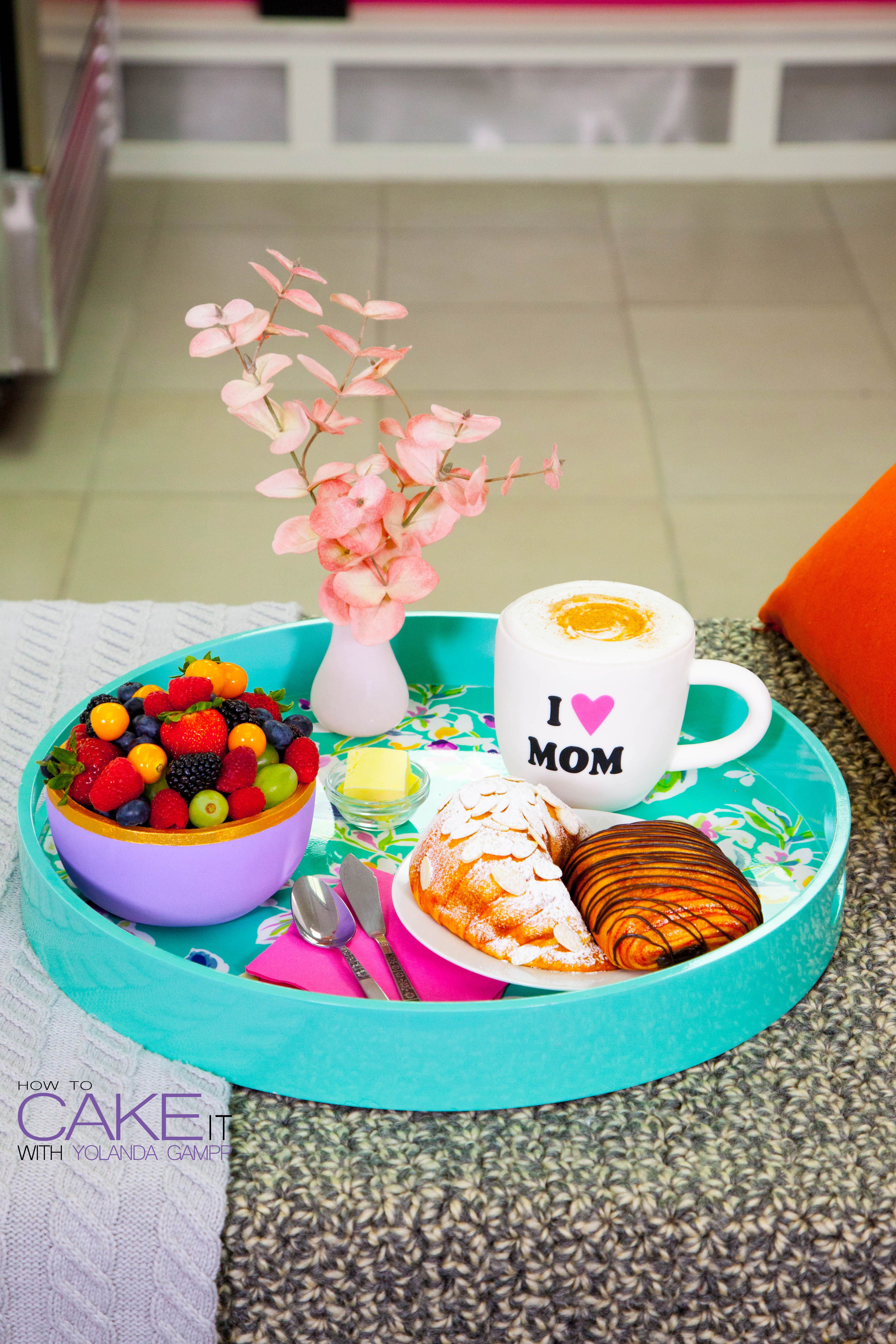 Learn how to make your own BREAKFAST IN BED cakes for Mother's Day on HowToCakeIt.com!
