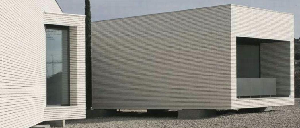 Ceramica para fachadas aislamiento cermica italia un for Ceramica para fachadas exteriores