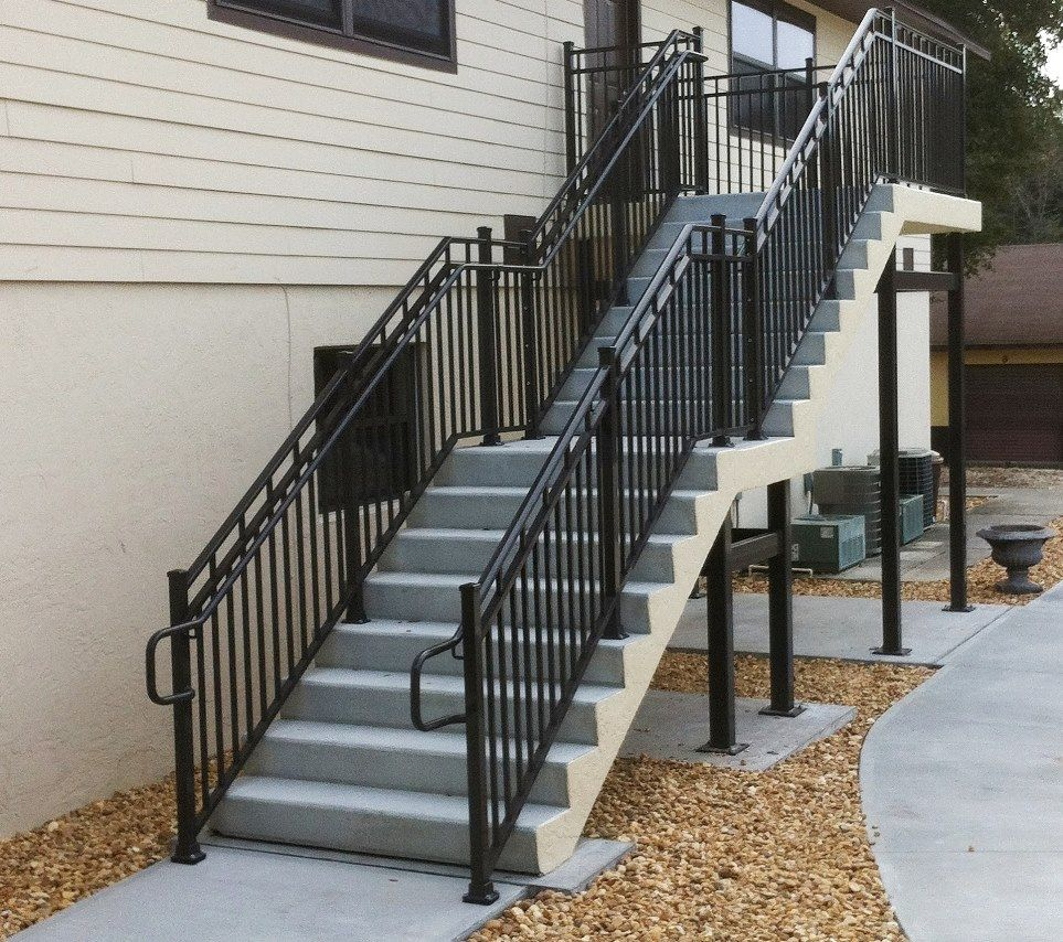 Best Concrete Outdoor Staircase Google Search Townhouse And 400 x 300