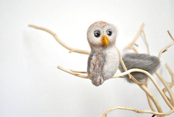 Needle felt brooch Owl pin, Bird brooch, Hand Felted Brooch, Animal Pin, Owl Jewelry, Animal jewelry