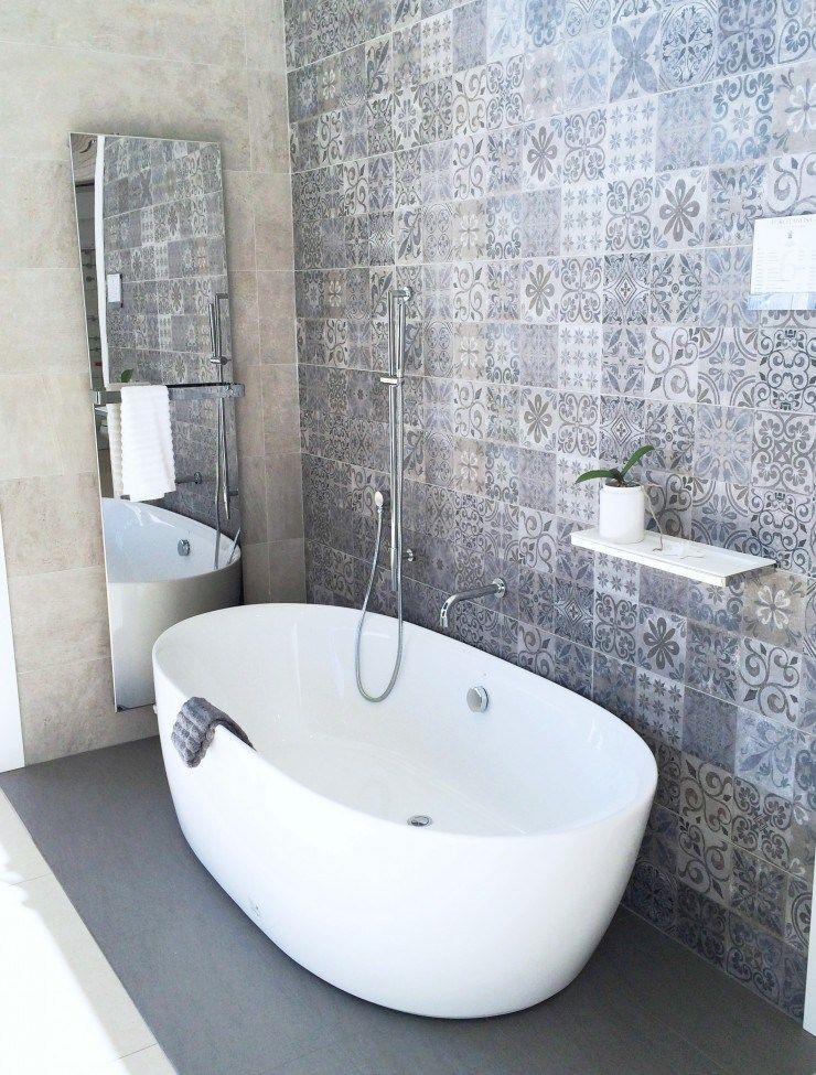 Graue Fliesen Muster Bad Inspiration Badezimmer Innenausstattung Badezimmer Fliesen