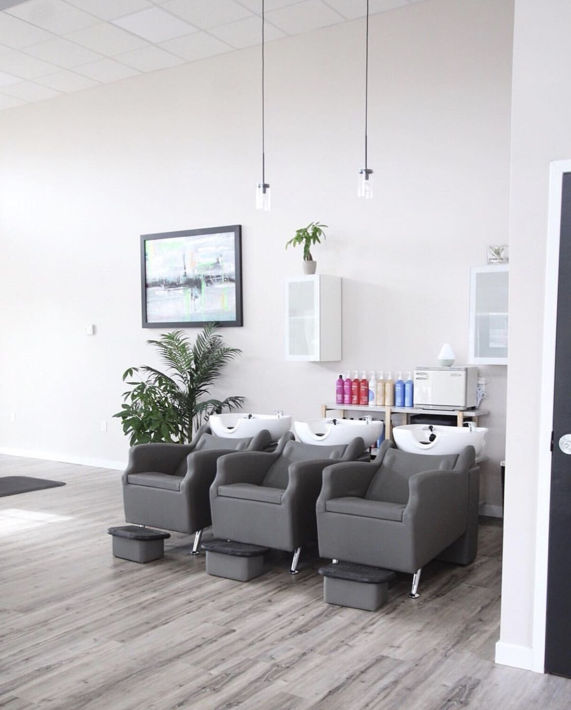 We Love The Clean And Modern Look Of The Shampoo Area At Virtue Hair Studio In Dartmouth Nova Scotia Salon Suites Decor Hair Salon Interior Beauty Room Salon