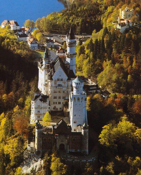Pin By Pramogų Skonis On Castles Of The World Inside Out Neuschwanstein Castle Castle Castle Bavaria