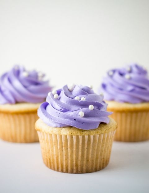 White Cake Cupcakes   White cake cupcakes, White cakes and ...