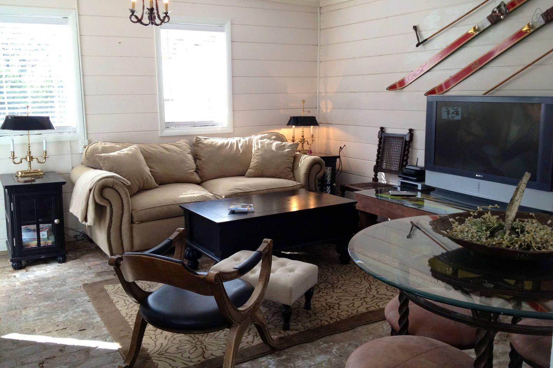 Aspen Core Pet Friendly Cottage in Aspen Colorado