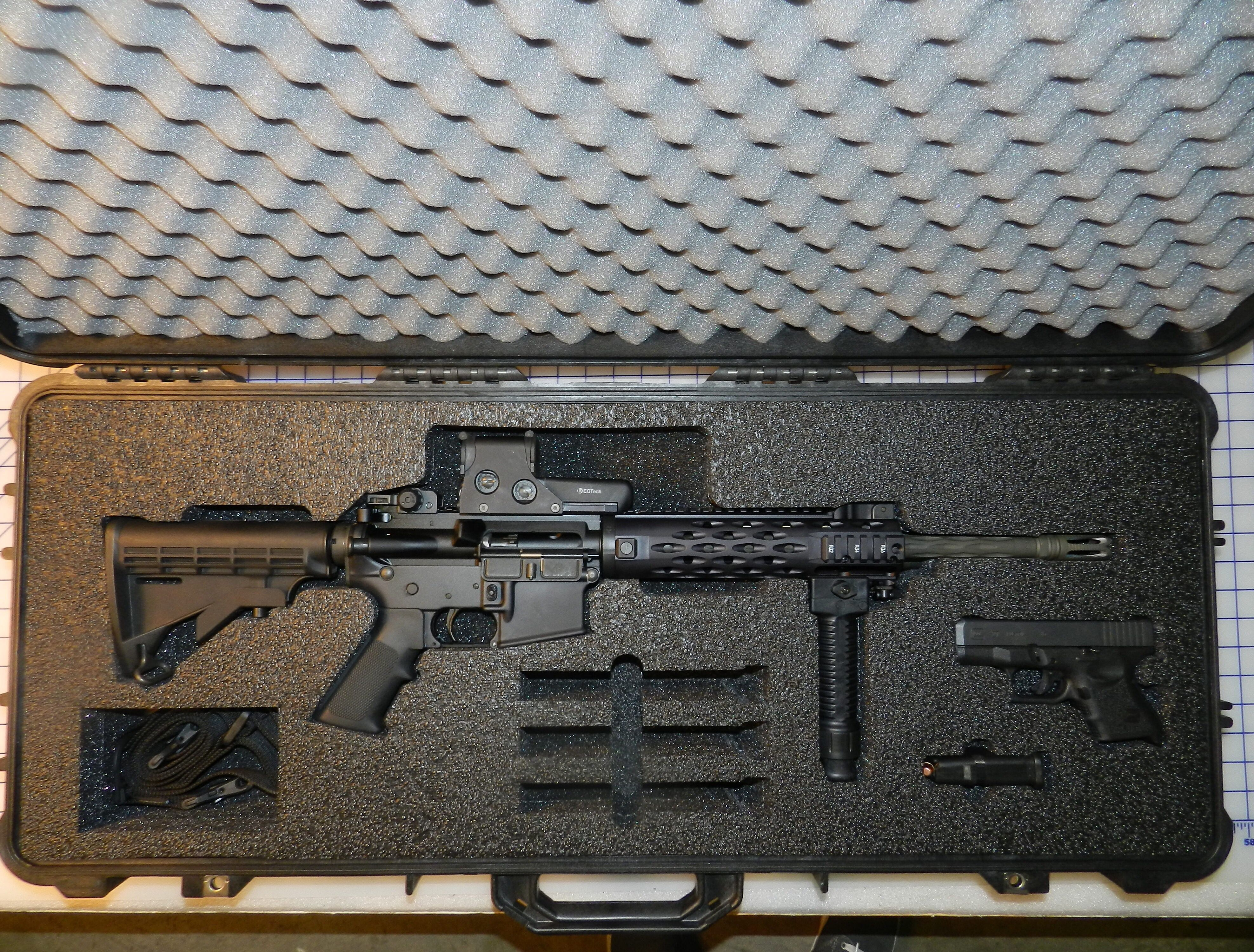 Pelican case and #customfoam for a Colt ar-15 and Glock 27