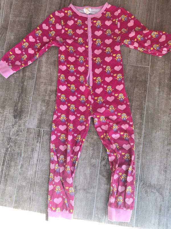 pyjama fille minions 5 ans de marque taille 5 ans. Black Bedroom Furniture Sets. Home Design Ideas