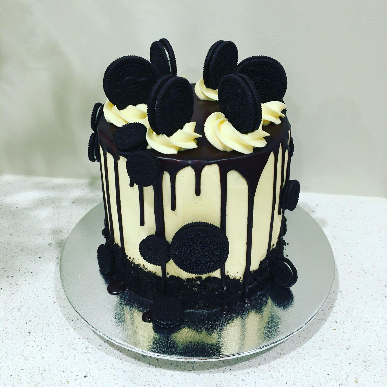 4 Layer Vanilla & Chocolate Oreo Drip Cake In 2019