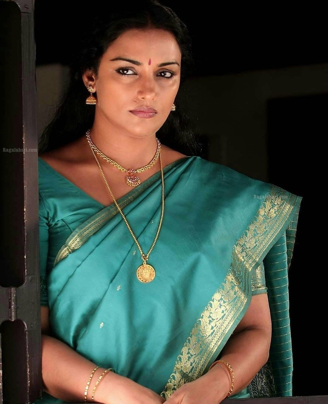 Pin by Shady05 on Actress in 2020 Swetha menon