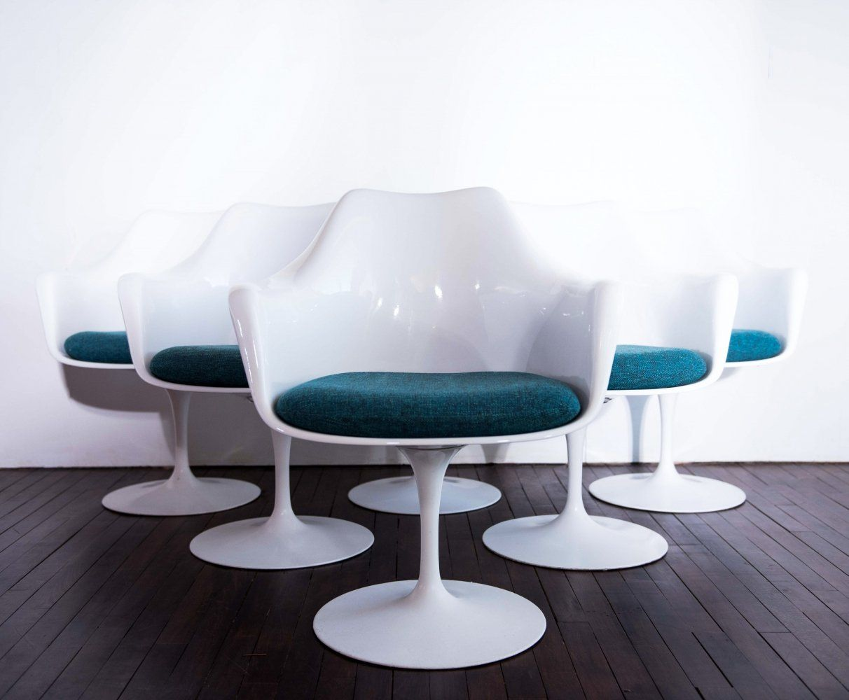 For sale set of 6 tulip armchairs with swivel base by