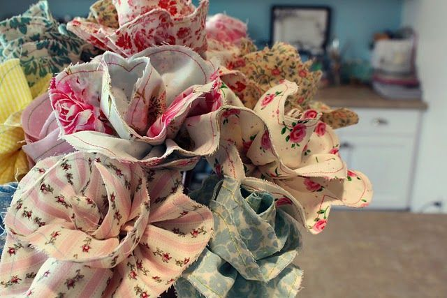 Roses. This tutorial requires sewing but these roses are just delightful!